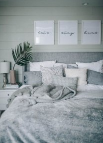 Chic And Warm Minimalist Bedroom Interior Ideas For Feel Comfort20