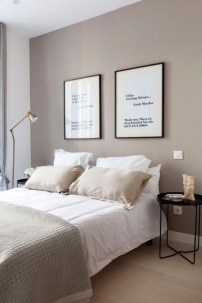 Chic And Warm Minimalist Bedroom Interior Ideas For Feel Comfort32