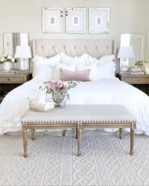 Cozy Bedroom Design Ideas To Make Your Sleep More Comfortable42