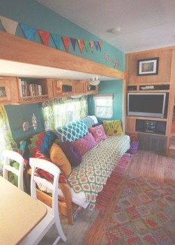 Elegant Airstream Decorating Ideas For Comfortable Holidays Trip42