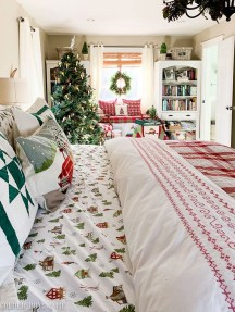 Impressive Christmas Bedding Ideas You Need To Copy20