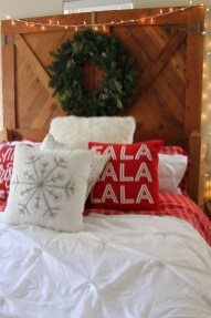 Impressive Christmas Bedding Ideas You Need To Copy23
