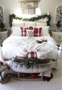 Impressive Christmas Bedding Ideas You Need To Copy31