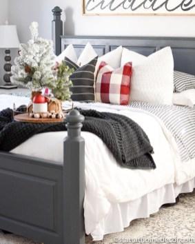 Impressive Christmas Bedding Ideas You Need To Copy33
