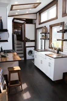 Impressive Minimalist Kitchen Design Ideas For Tiny Houses29