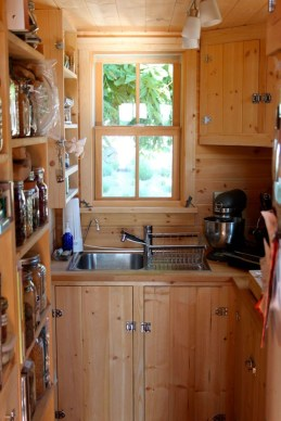 Impressive Minimalist Kitchen Design Ideas For Tiny Houses42