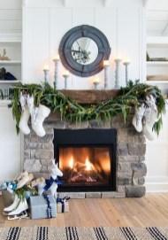 Marvelous Rustic Christmas Fireplace Mantel Decorating Ideas03