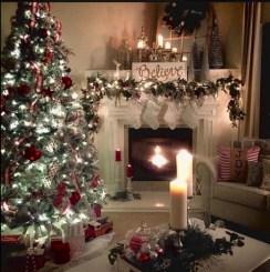 Marvelous Rustic Christmas Fireplace Mantel Decorating Ideas10