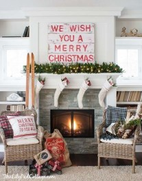 Marvelous Rustic Christmas Fireplace Mantel Decorating Ideas12