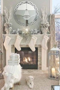 Marvelous Rustic Christmas Fireplace Mantel Decorating Ideas20