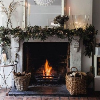 Marvelous Rustic Christmas Fireplace Mantel Decorating Ideas27