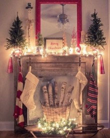 Marvelous Rustic Christmas Fireplace Mantel Decorating Ideas30