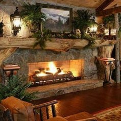 Marvelous Rustic Christmas Fireplace Mantel Decorating Ideas39