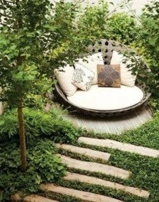 Minimalist Creative Garden Ideas To Enhance Your Small House Beautiful05