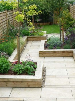 Minimalist Creative Garden Ideas To Enhance Your Small House Beautiful07