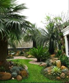 Minimalist Creative Garden Ideas To Enhance Your Small House Beautiful28