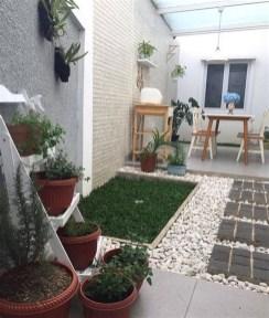 Minimalist Creative Garden Ideas To Enhance Your Small House Beautiful29