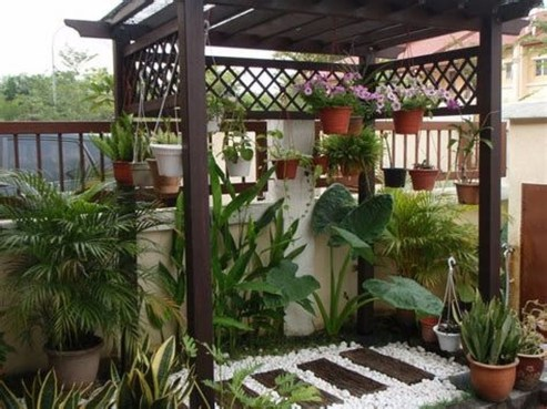 Minimalist Creative Garden Ideas To Enhance Your Small House Beautiful33