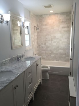 Best Gray And White Bathroom Ideas For07