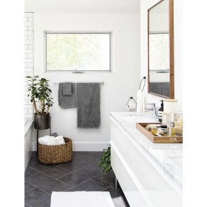 Best Gray And White Bathroom Ideas For23