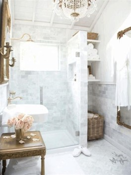 Charming French Country Bathroom Design And Decor Ideas On A Budget26