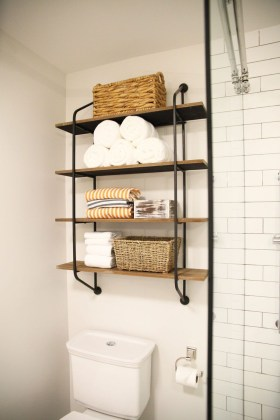 Industrial Bathroom Shelves Design Ideas44