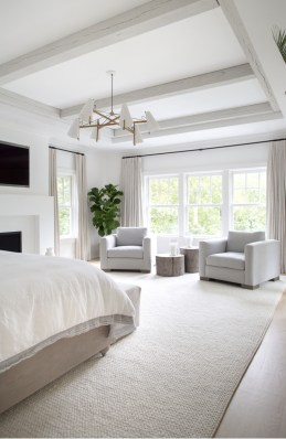Make Your Bedroom Cozy With Neutral Bedroom Decorations08