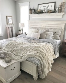 Make Your Bedroom Cozy With Neutral Bedroom Decorations31