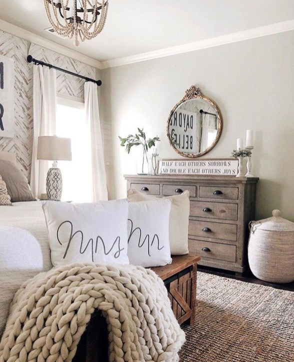 Make Your Bedroom Cozy With Neutral Bedroom Decorations36