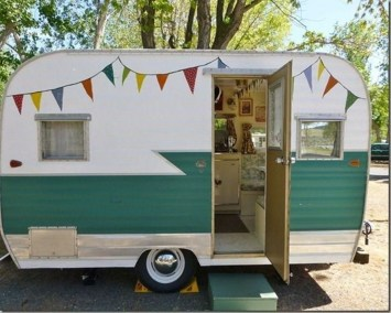 Unique Vintage Camper Exterior Ideas For More Impression10