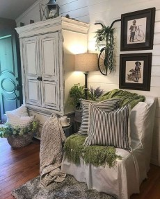 Wonderful Farmhouse Decor Ideas With Beautiful Greenery13