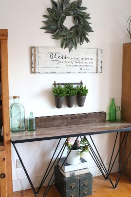 Wonderful Farmhouse Decor Ideas With Beautiful Greenery25