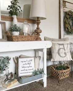 Wonderful Farmhouse Decor Ideas With Beautiful Greenery31