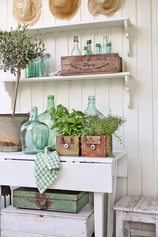 Wonderful Farmhouse Decor Ideas With Beautiful Greenery38