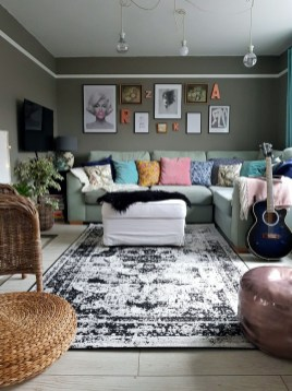 Wonderful Living Room Rug Layering Combination For Sweet Home08