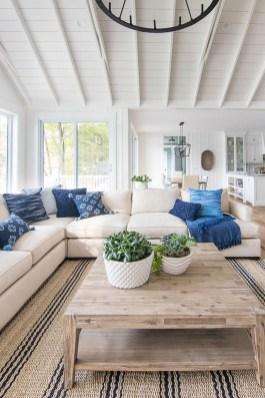 Attractive Lake House Living Room Decor Ideas18