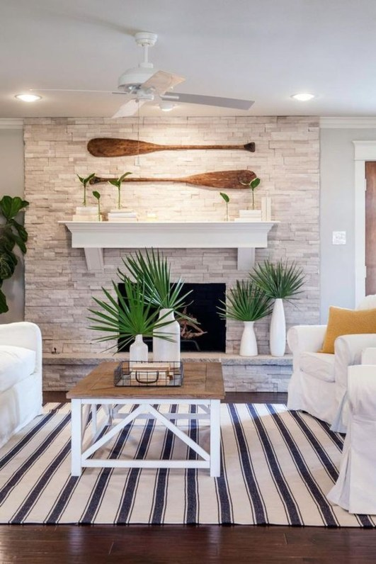 Attractive Lake House Living Room Decor Ideas38