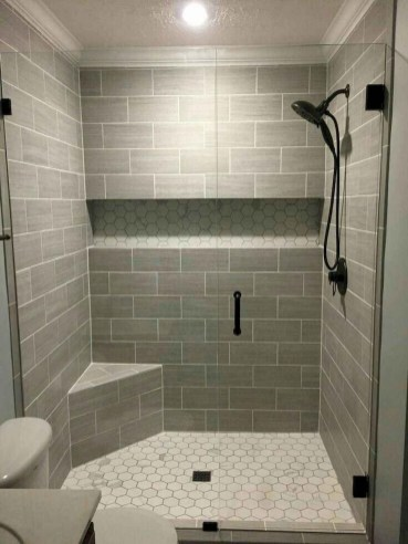 Captivating Small Master Bathroom Ideas42