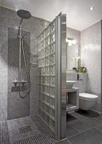 Captivating Small Master Bathroom Ideas43