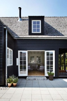 Creative Lake House Exterior Designs Ideas24