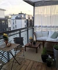 Enjoying Summer Balcony Decor Ideas04