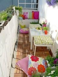 Enjoying Summer Balcony Decor Ideas13