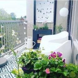 Enjoying Summer Balcony Decor Ideas31
