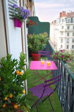 Enjoying Summer Balcony Decor Ideas44