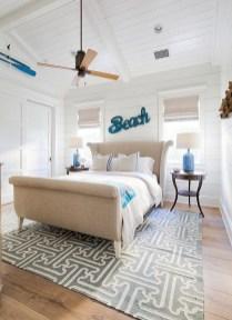 Impressive Coastal Bedroom Decorating Ideas03