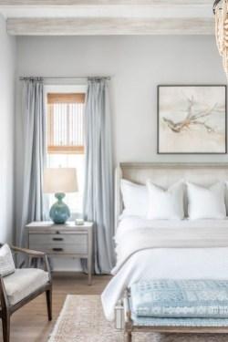 Impressive Coastal Bedroom Decorating Ideas06