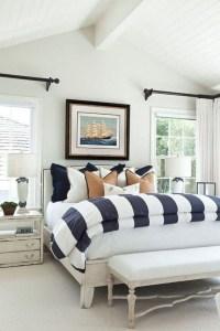 Impressive Coastal Bedroom Decorating Ideas10