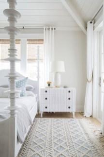 Impressive Coastal Bedroom Decorating Ideas14