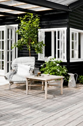 Incredible Homes Decorating Ideas With Black Exteriors26