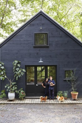 Incredible Homes Decorating Ideas With Black Exteriors42